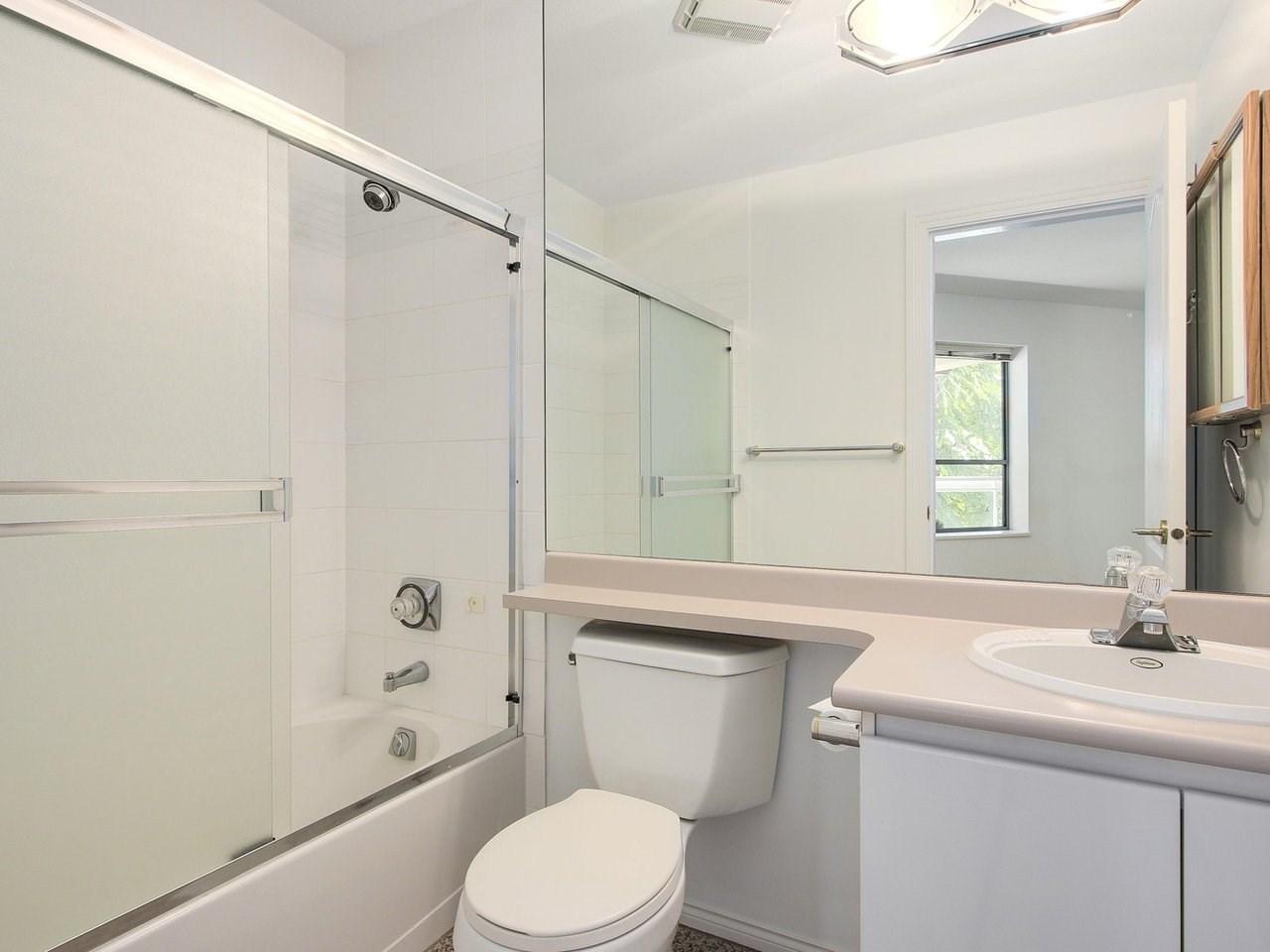 Condo Apartment at 304 3288 CAPILANO CRESCENT, Unit 304, North Vancouver, British Columbia. Image 17