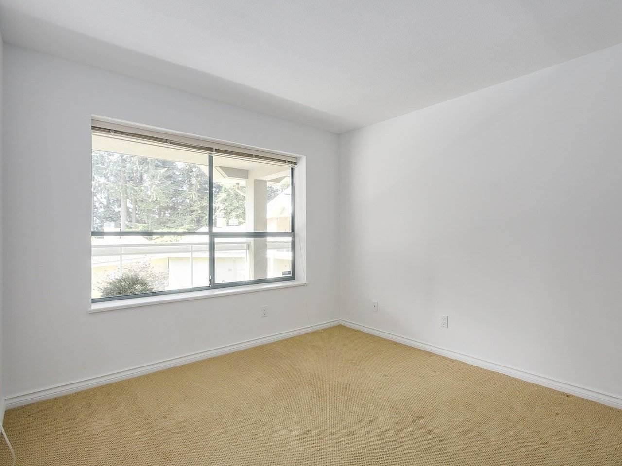 Condo Apartment at 304 3288 CAPILANO CRESCENT, Unit 304, North Vancouver, British Columbia. Image 18