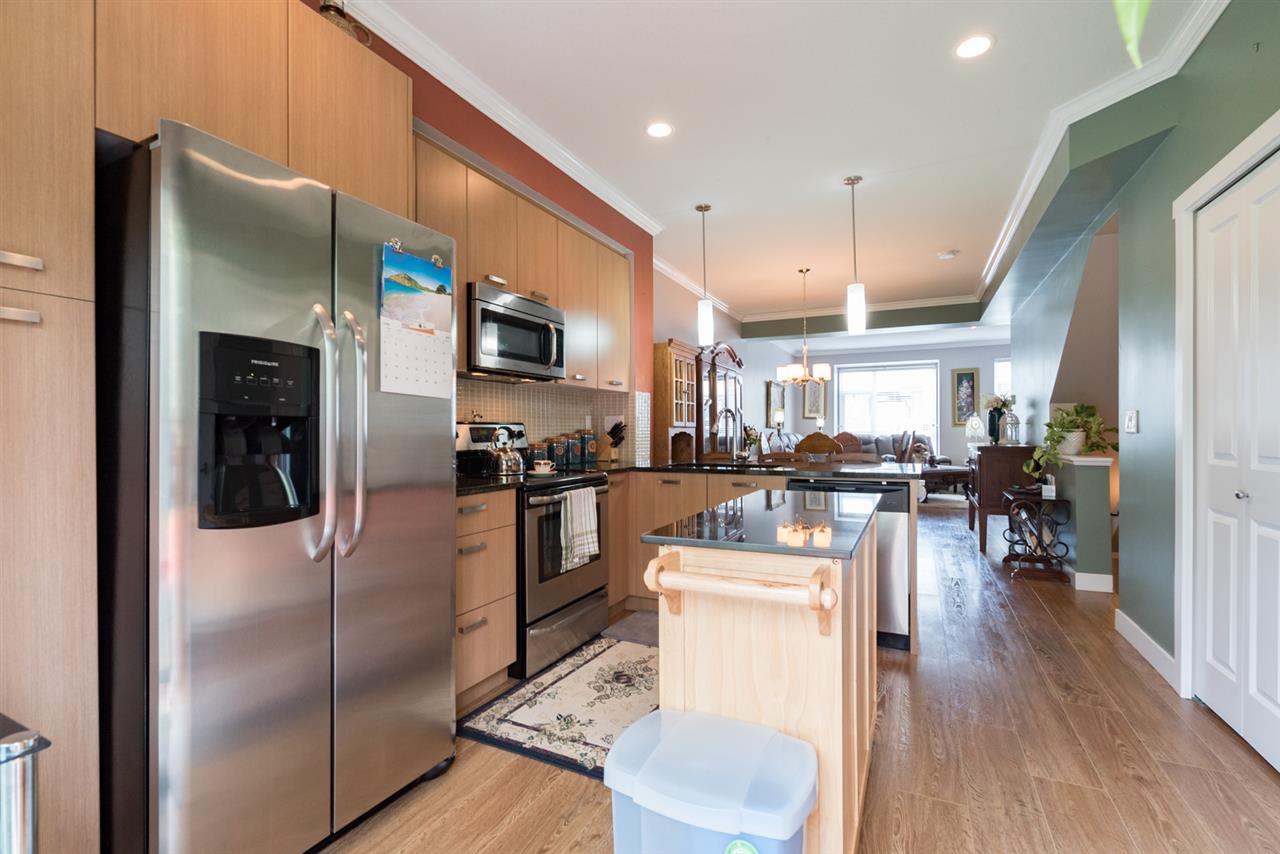 Townhouse at 31 5888 144 STREET, Unit 31, Surrey, British Columbia. Image 3