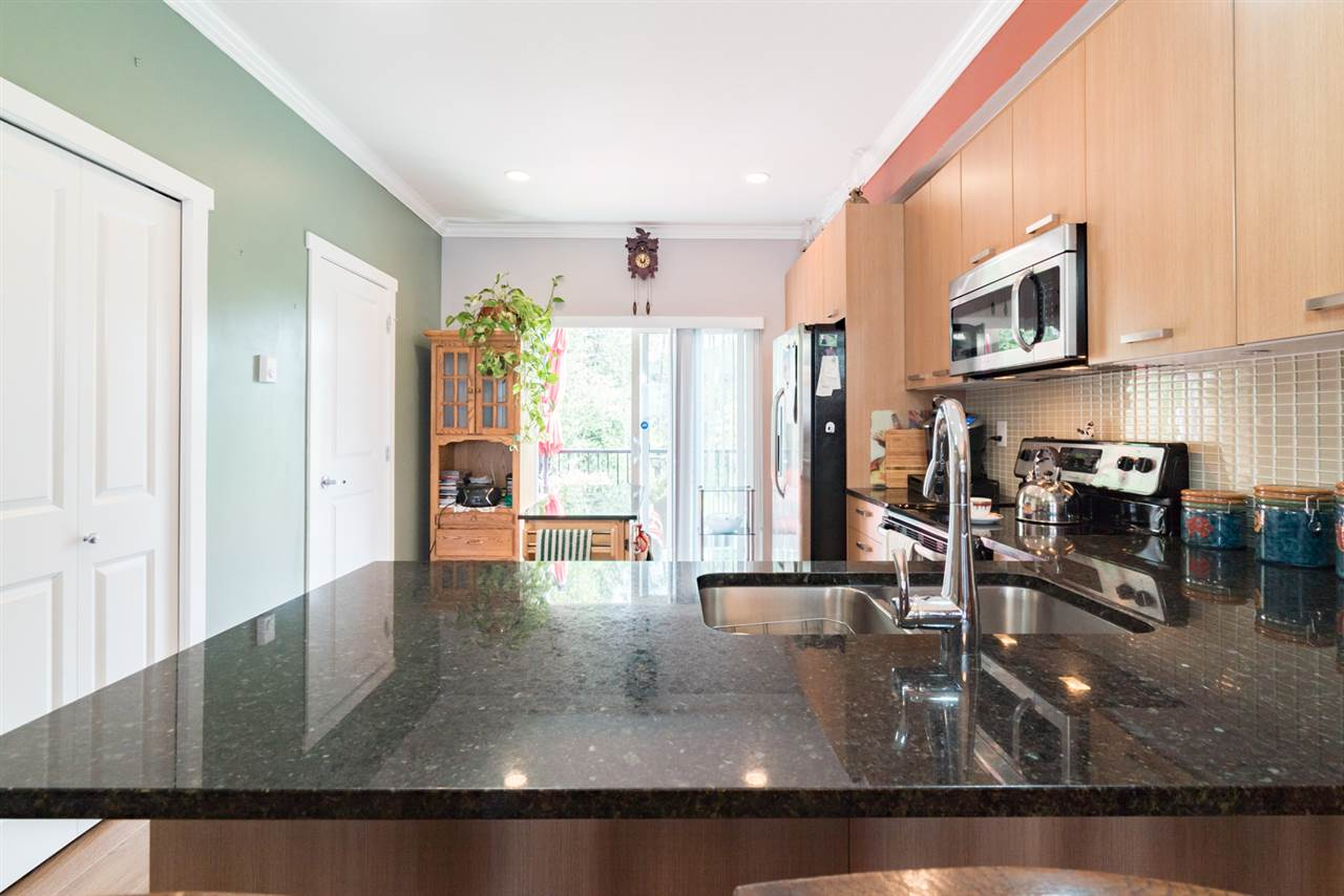 Townhouse at 31 5888 144 STREET, Unit 31, Surrey, British Columbia. Image 5