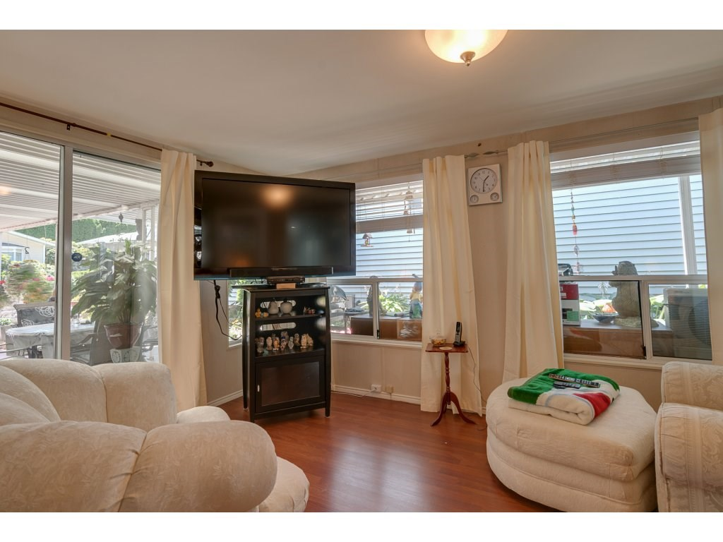 Detached at 2 8078 KING GEORGE BOULEVARD, Unit 2, Surrey, British Columbia. Image 13