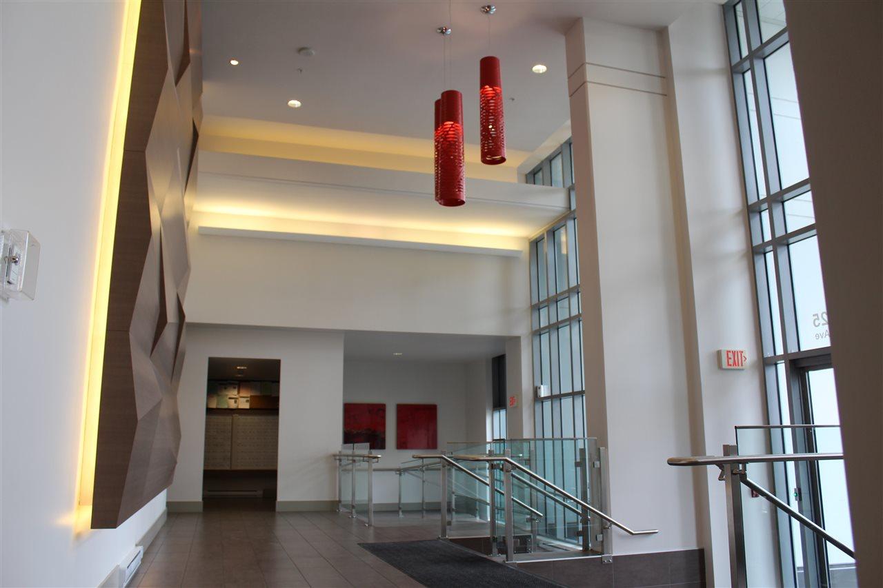 Condo Apartment at 2809 13325 102A AVENUE, Unit 2809, North Surrey, British Columbia. Image 2