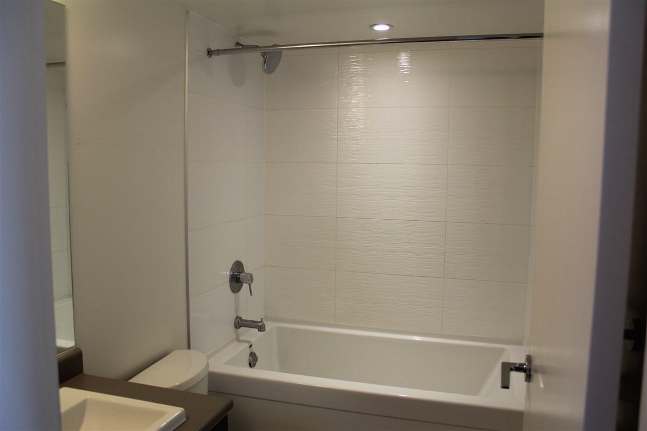 Condo Apartment at 2809 13325 102A AVENUE, Unit 2809, North Surrey, British Columbia. Image 4