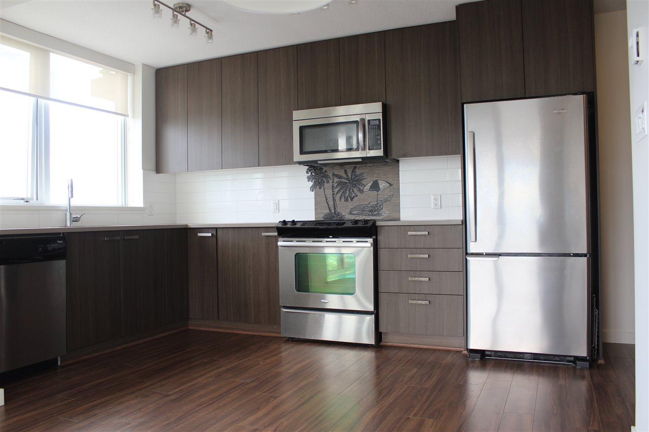 Condo Apartment at 2809 13325 102A AVENUE, Unit 2809, North Surrey, British Columbia. Image 8