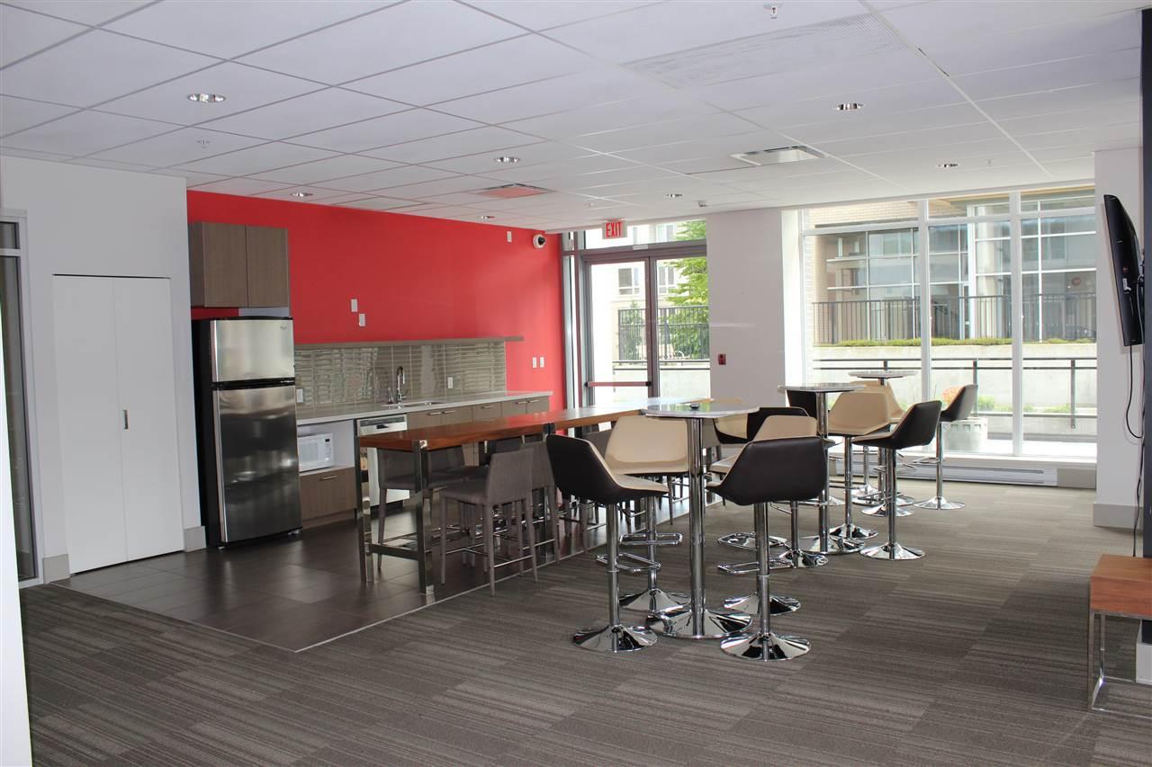 Condo Apartment at 2809 13325 102A AVENUE, Unit 2809, North Surrey, British Columbia. Image 15