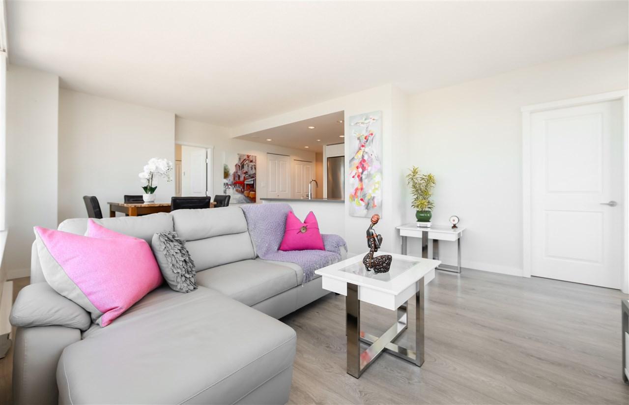 Condo Apartment at 2502 4880 BENNETT STREET, Unit 2502, Burnaby South, British Columbia. Image 2