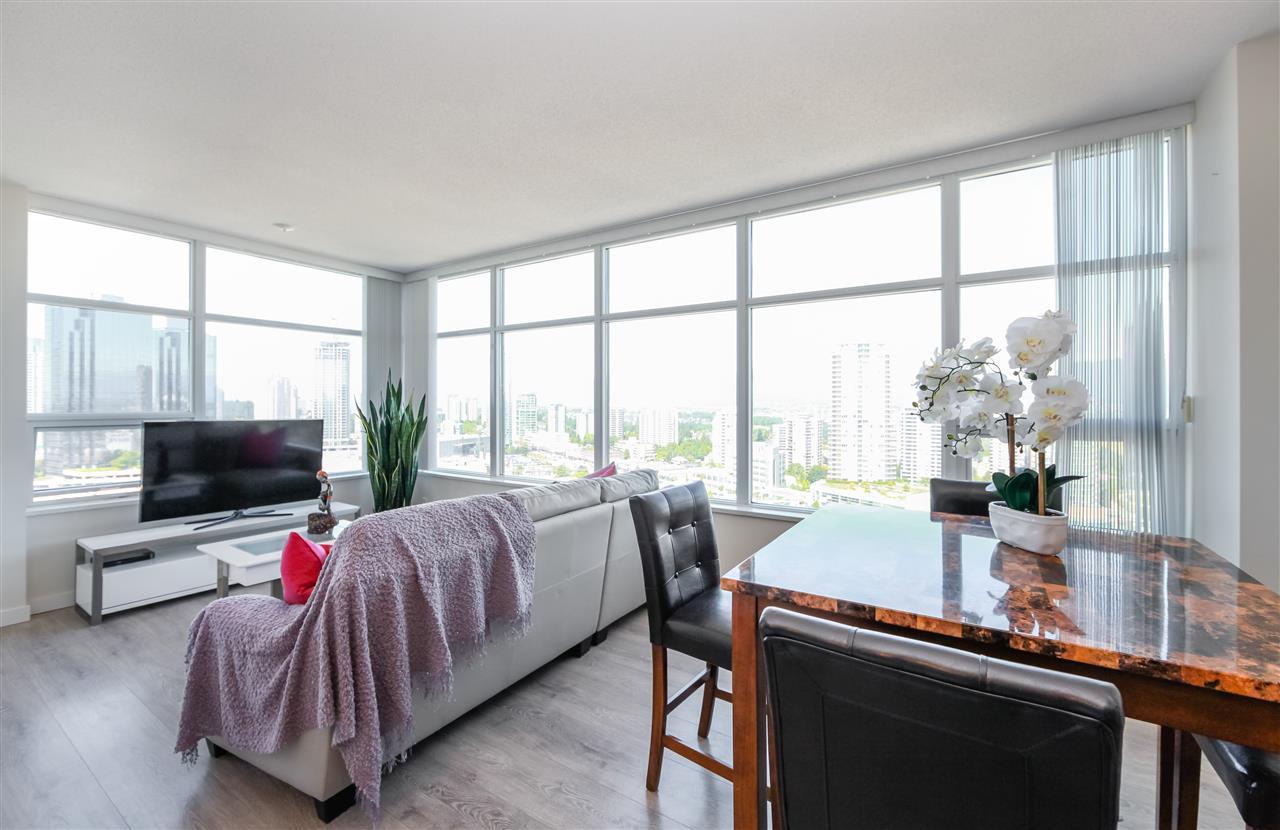 Condo Apartment at 2502 4880 BENNETT STREET, Unit 2502, Burnaby South, British Columbia. Image 3