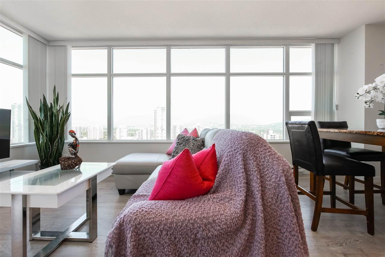 Condo Apartment at 2502 4880 BENNETT STREET, Unit 2502, Burnaby South, British Columbia. Image 4