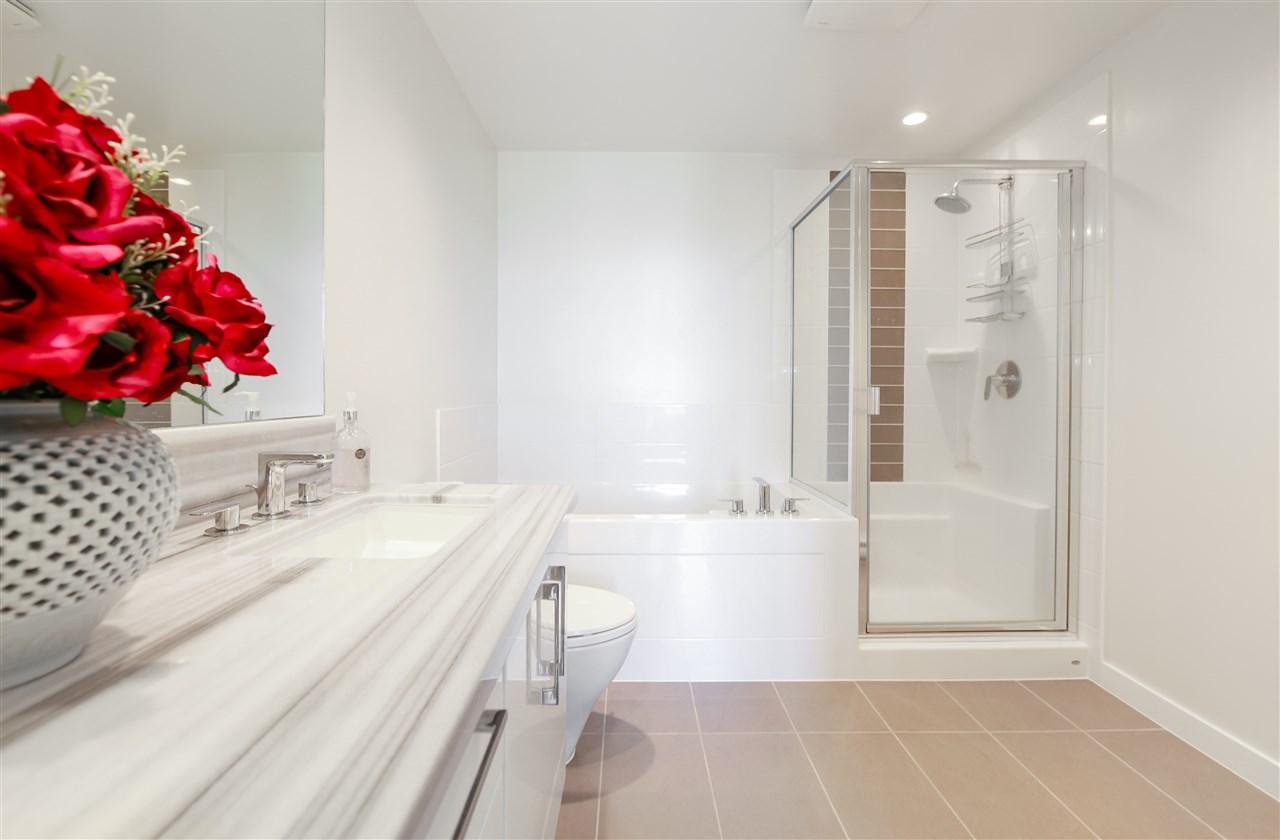 Condo Apartment at 2502 4880 BENNETT STREET, Unit 2502, Burnaby South, British Columbia. Image 13