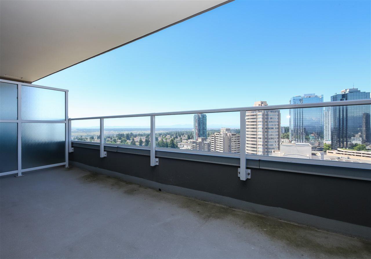 Condo Apartment at 2502 4880 BENNETT STREET, Unit 2502, Burnaby South, British Columbia. Image 16