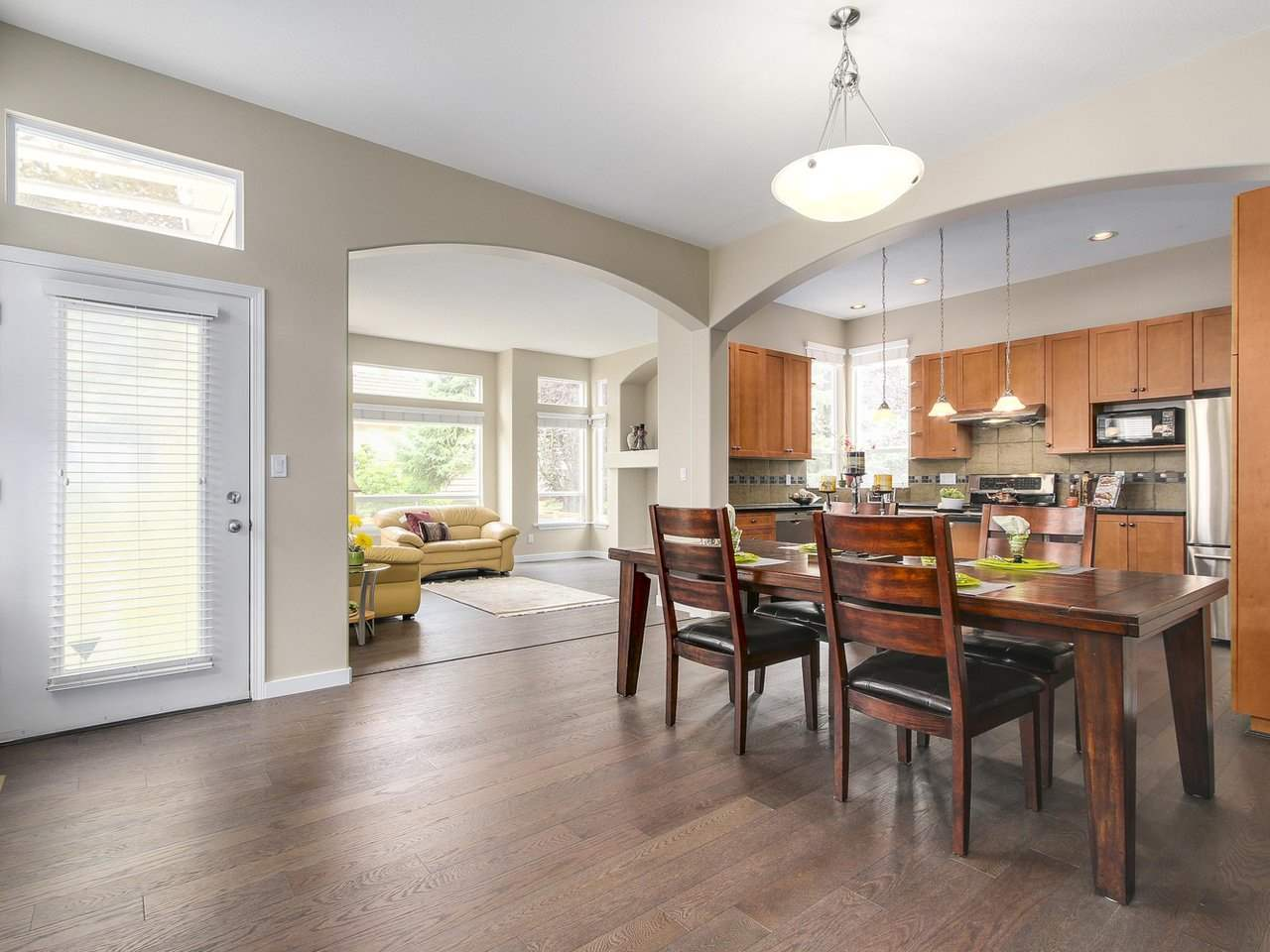 Detached at 3569 ROSEMARY HEIGHTS CRESCENT, South Surrey White Rock, British Columbia. Image 6