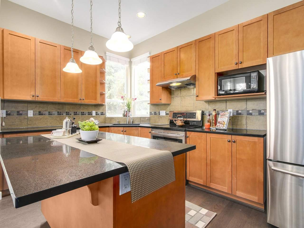 Detached at 3569 ROSEMARY HEIGHTS CRESCENT, South Surrey White Rock, British Columbia. Image 10