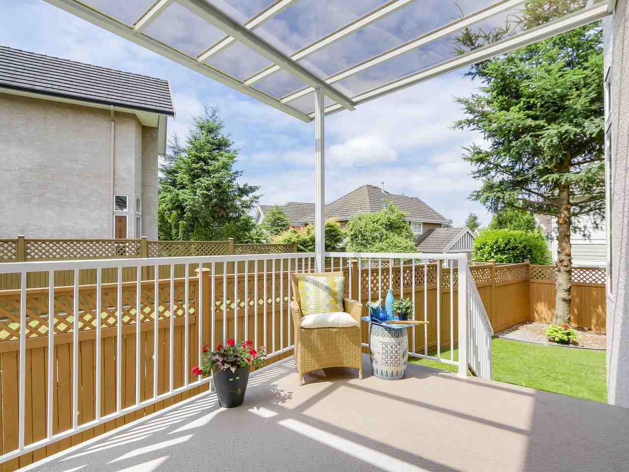 Detached at 3569 ROSEMARY HEIGHTS CRESCENT, South Surrey White Rock, British Columbia. Image 19