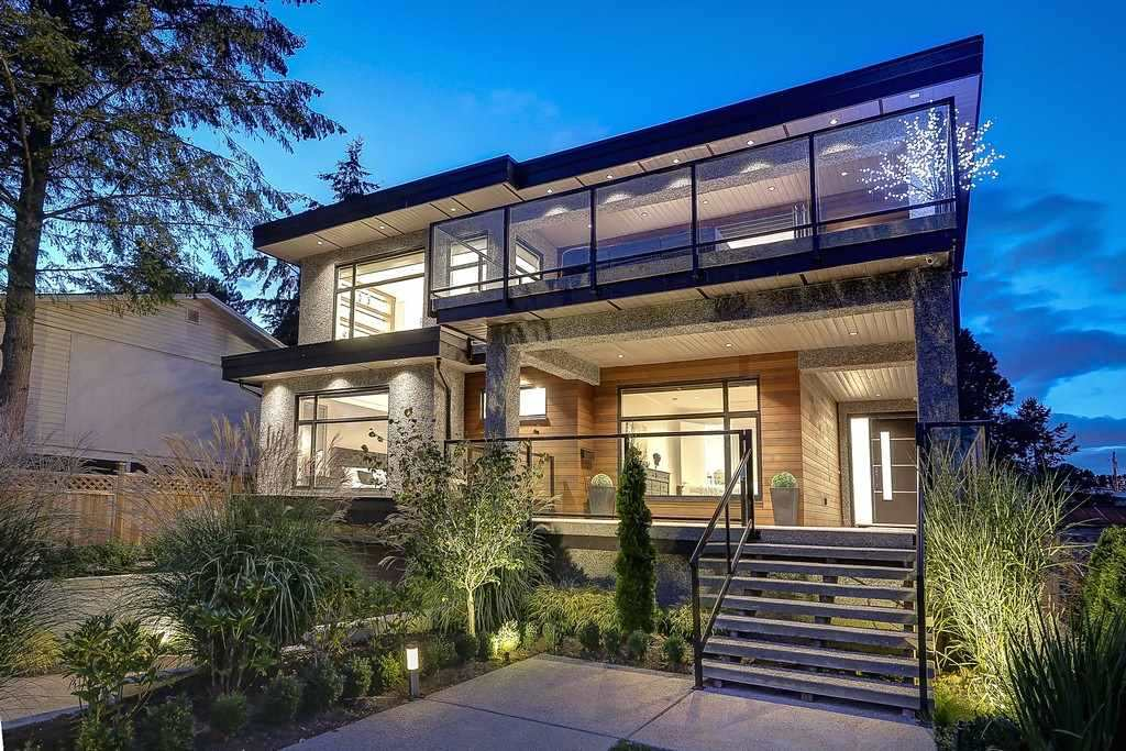 Detached at 15859 GOGGS AVENUE, South Surrey White Rock, British Columbia. Image 2