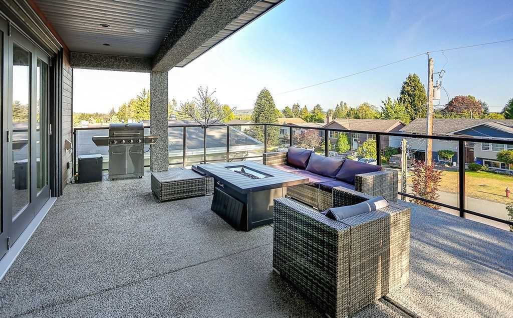 Detached at 15859 GOGGS AVENUE, South Surrey White Rock, British Columbia. Image 5