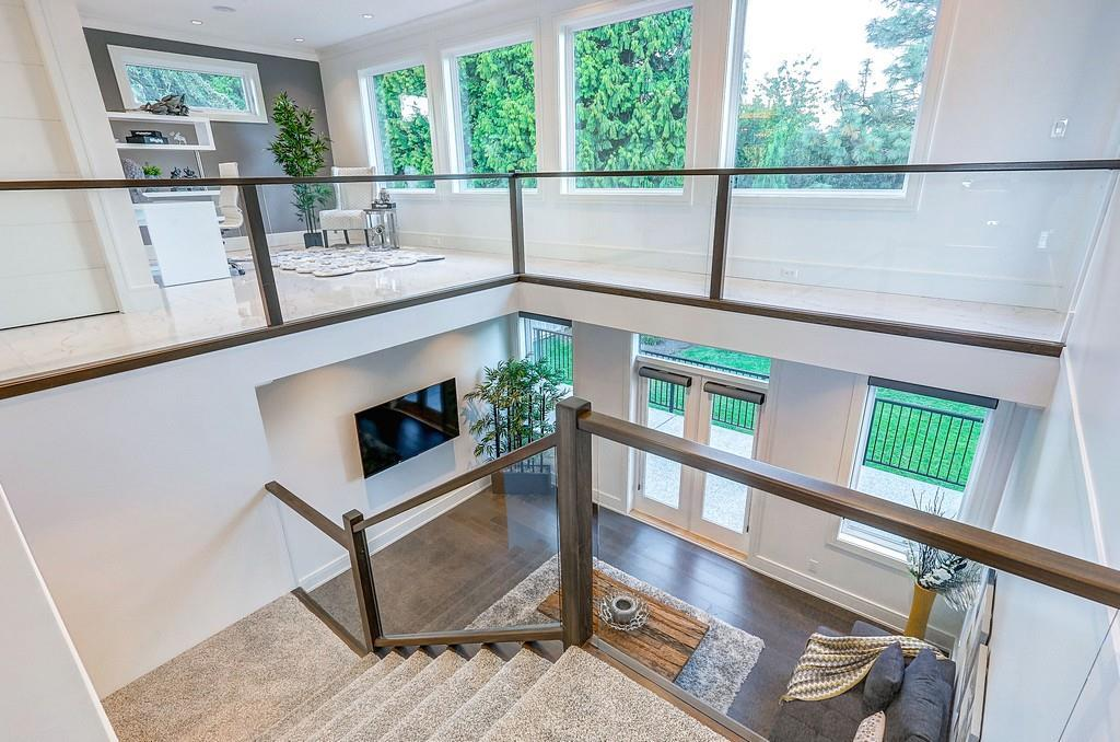 Detached at 15859 GOGGS AVENUE, South Surrey White Rock, British Columbia. Image 11