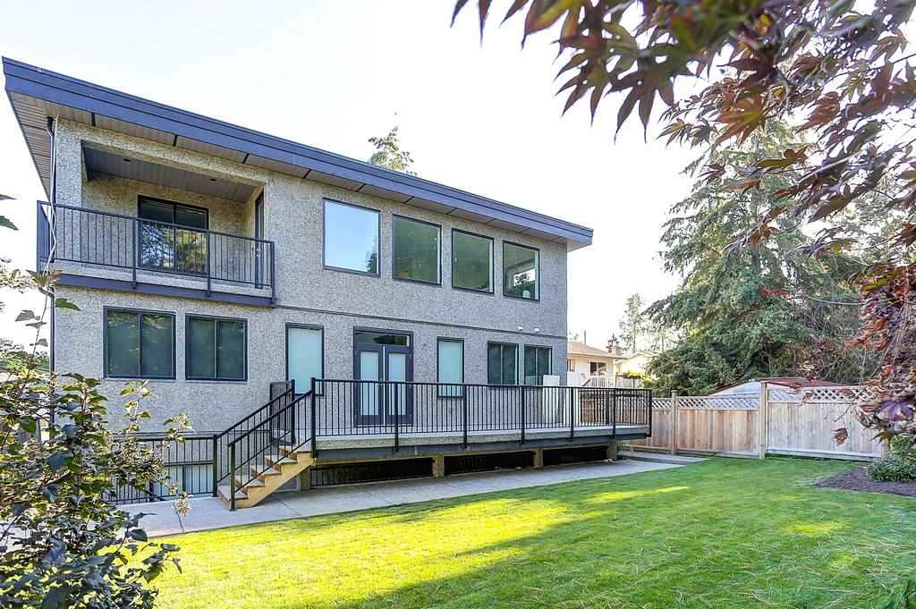 Detached at 15859 GOGGS AVENUE, South Surrey White Rock, British Columbia. Image 20