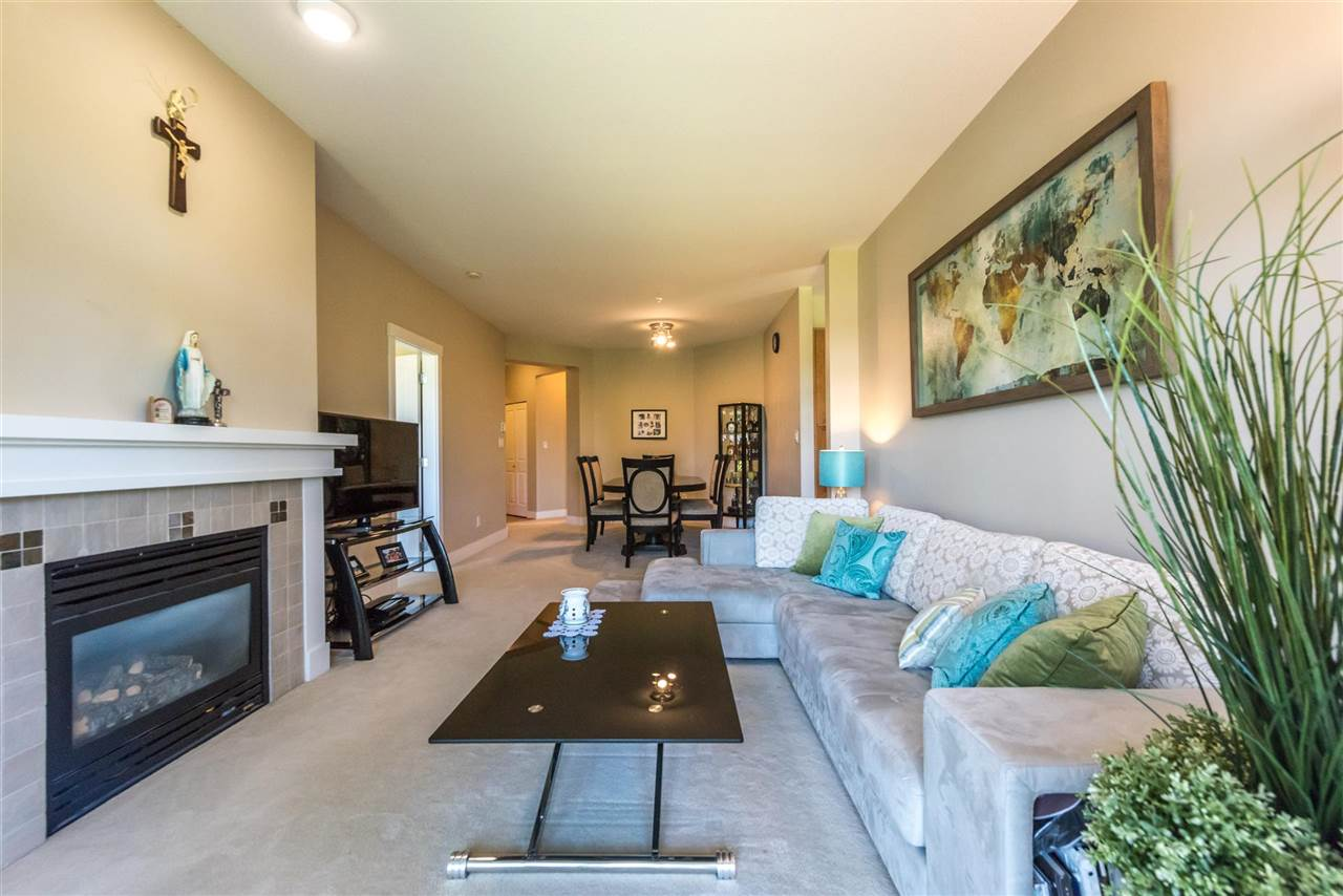 Condo Apartment at 301 2280 WESBROOK MALL, Unit 301, Vancouver West, British Columbia. Image 3