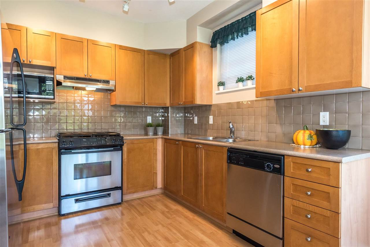 Condo Apartment at 301 2280 WESBROOK MALL, Unit 301, Vancouver West, British Columbia. Image 6