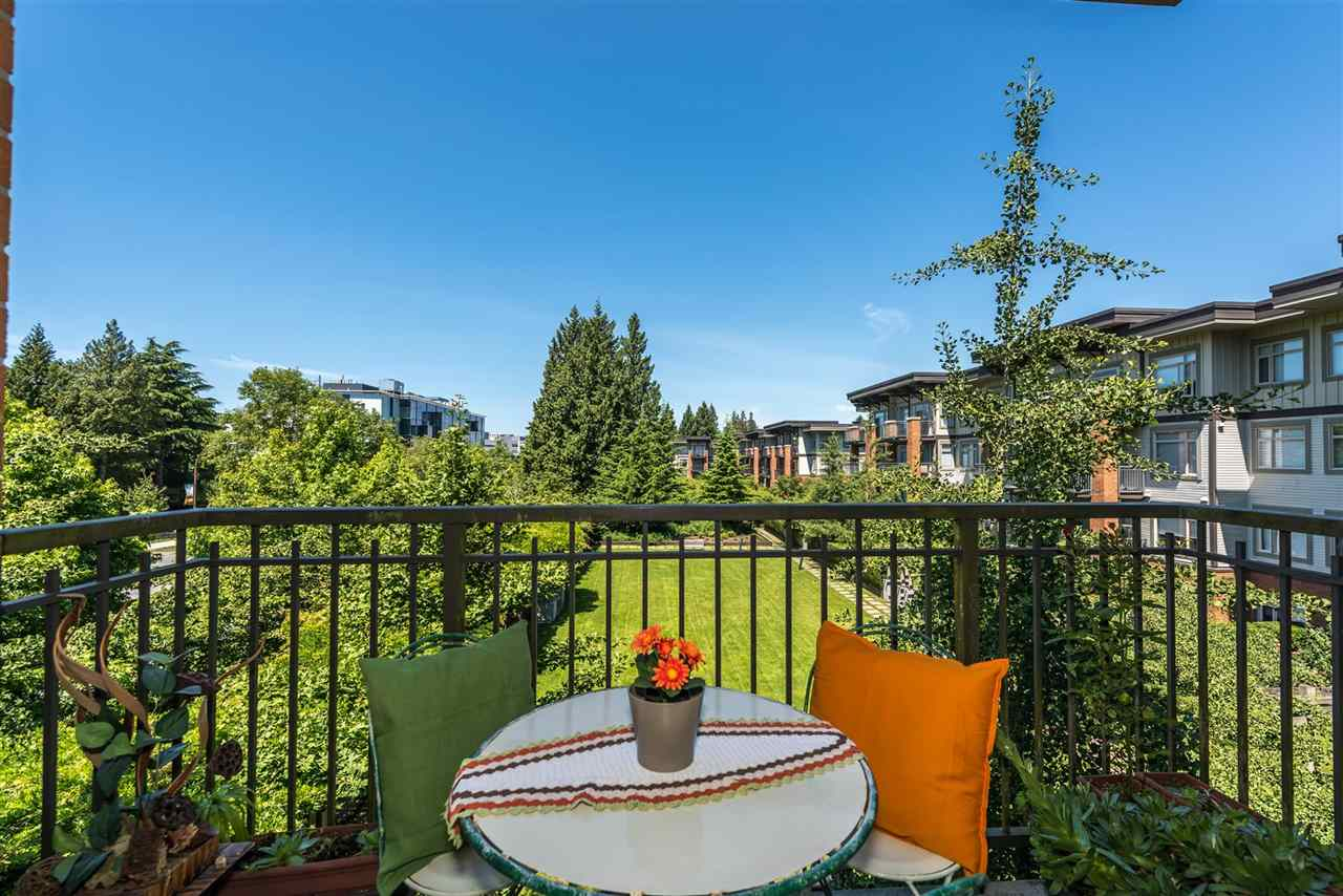 Condo Apartment at 301 2280 WESBROOK MALL, Unit 301, Vancouver West, British Columbia. Image 8