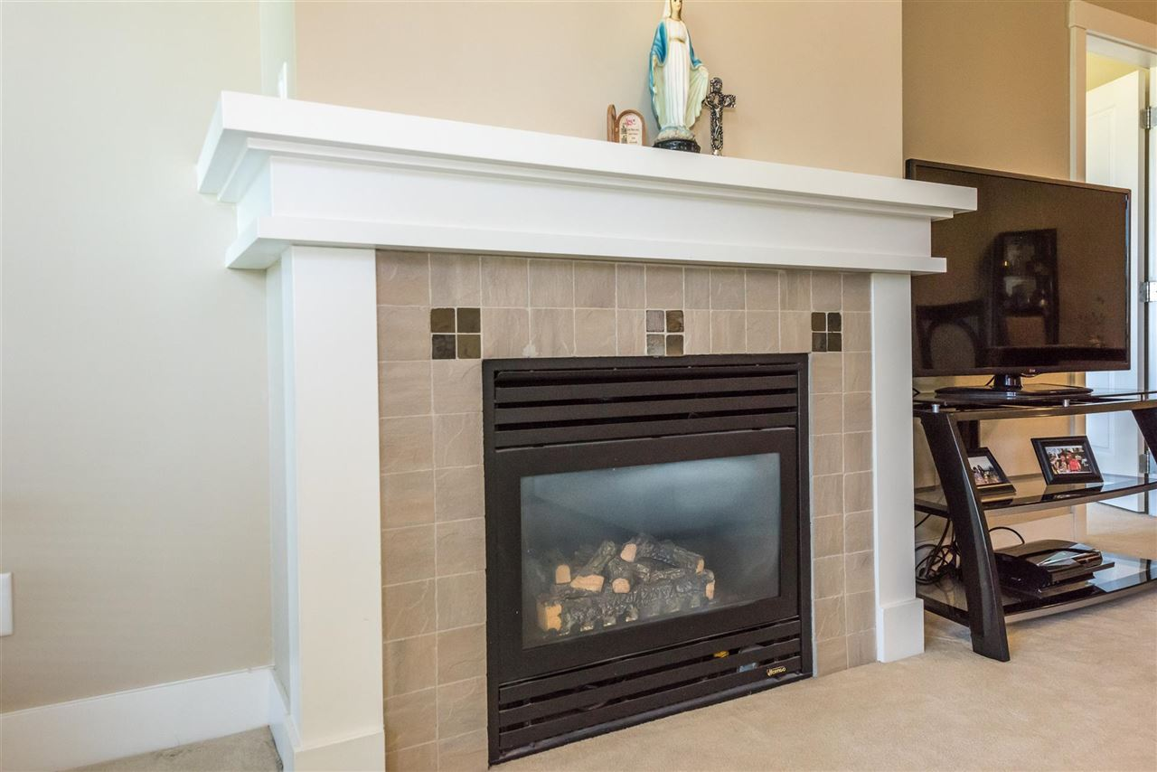 Condo Apartment at 301 2280 WESBROOK MALL, Unit 301, Vancouver West, British Columbia. Image 16