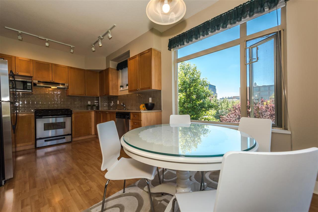 Condo Apartment at 301 2280 WESBROOK MALL, Unit 301, Vancouver West, British Columbia. Image 17