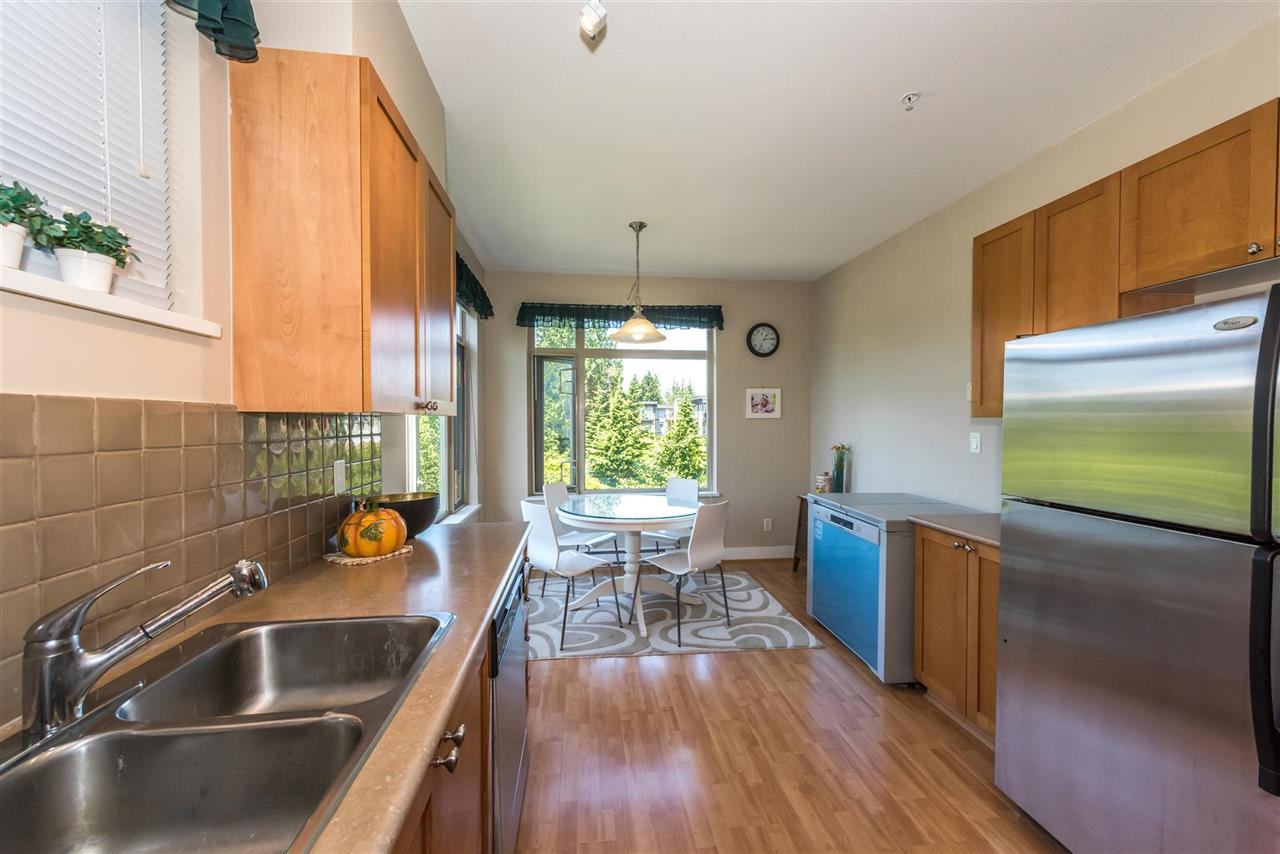 Condo Apartment at 301 2280 WESBROOK MALL, Unit 301, Vancouver West, British Columbia. Image 18