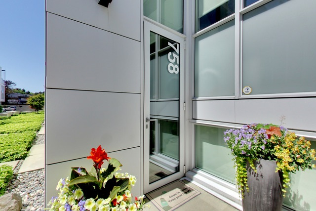 Townhouse at 758 W 6TH AVENUE, Vancouver West, British Columbia. Image 3