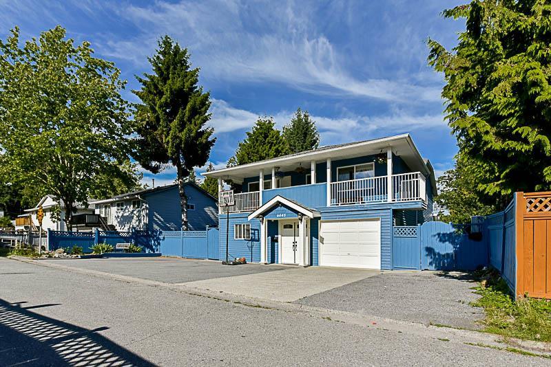 Detached at 6445 KING GEORGE BOULEVARD, Surrey, British Columbia. Image 20