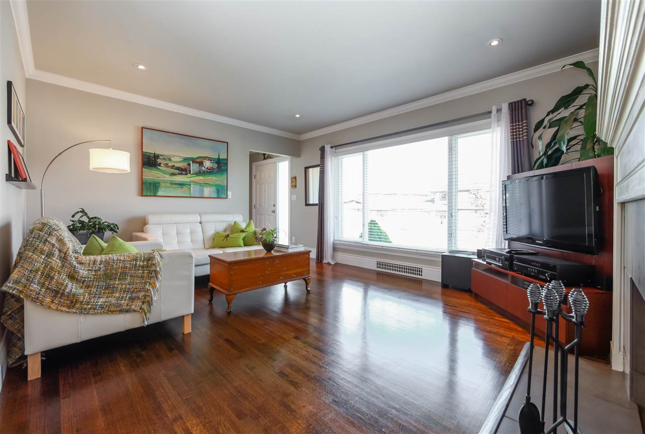 Detached at 7625 16TH AVENUE, Burnaby East, British Columbia. Image 3
