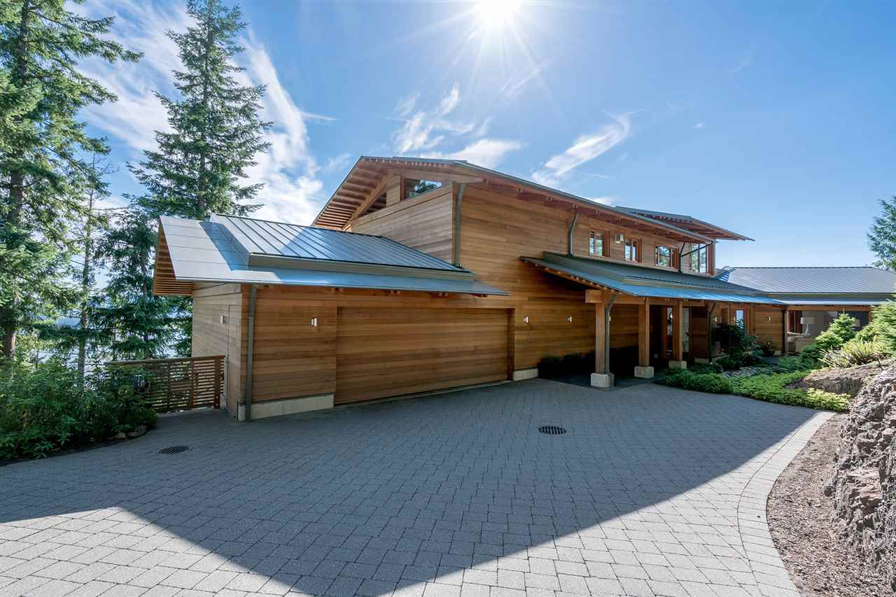 Detached at 160 MOUNTAIN DRIVE, West Vancouver, British Columbia. Image 20
