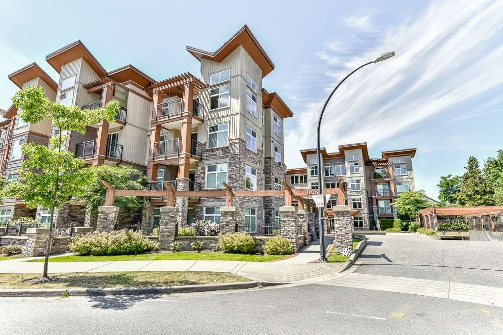 Condo Apartment at 308 10237 133 STREET, Unit 308, North Surrey, British Columbia. Image 2