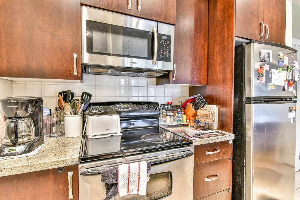 Condo Apartment at 308 10237 133 STREET, Unit 308, North Surrey, British Columbia. Image 9