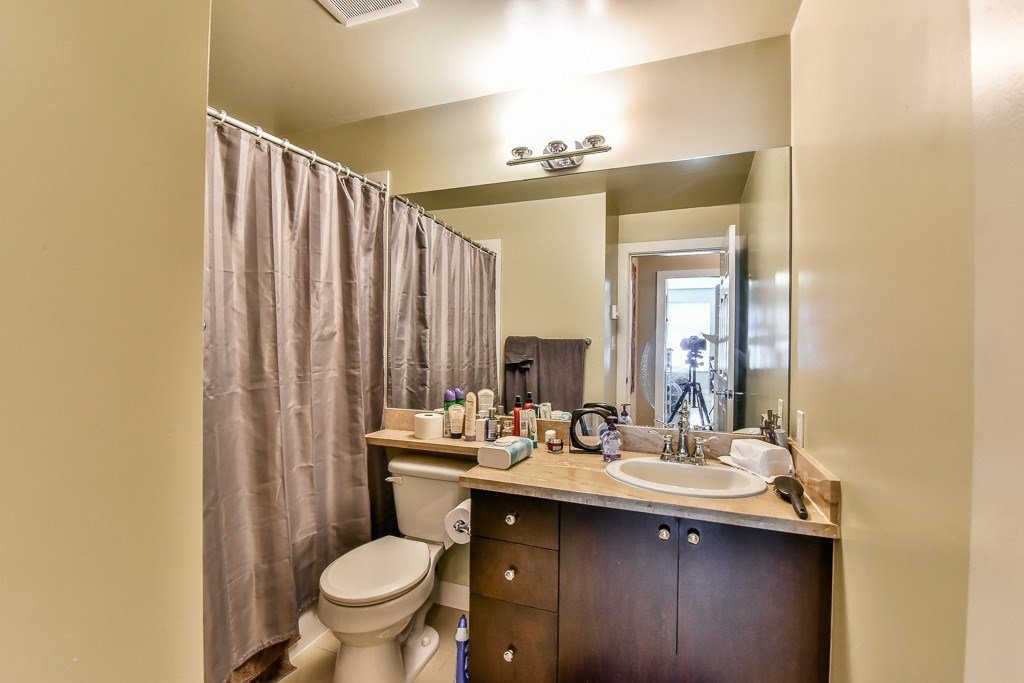 Condo Apartment at 308 10237 133 STREET, Unit 308, North Surrey, British Columbia. Image 15