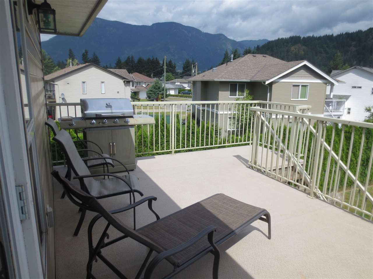 Detached at 65575 MOUNTAIN ASH DRIVE, Hope, British Columbia. Image 19