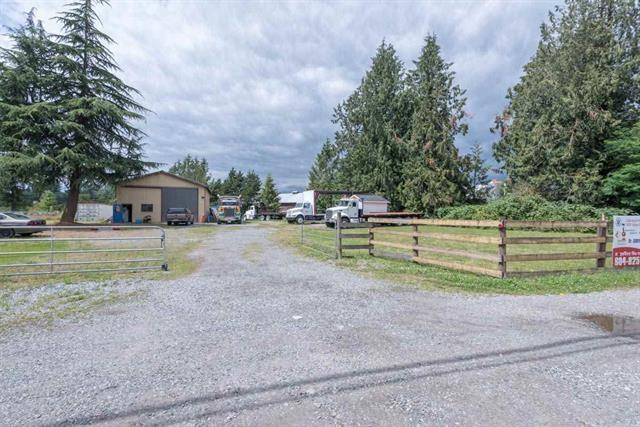 Detached at 2215 PEARDONVILLE ROAD, Abbotsford, British Columbia. Image 4