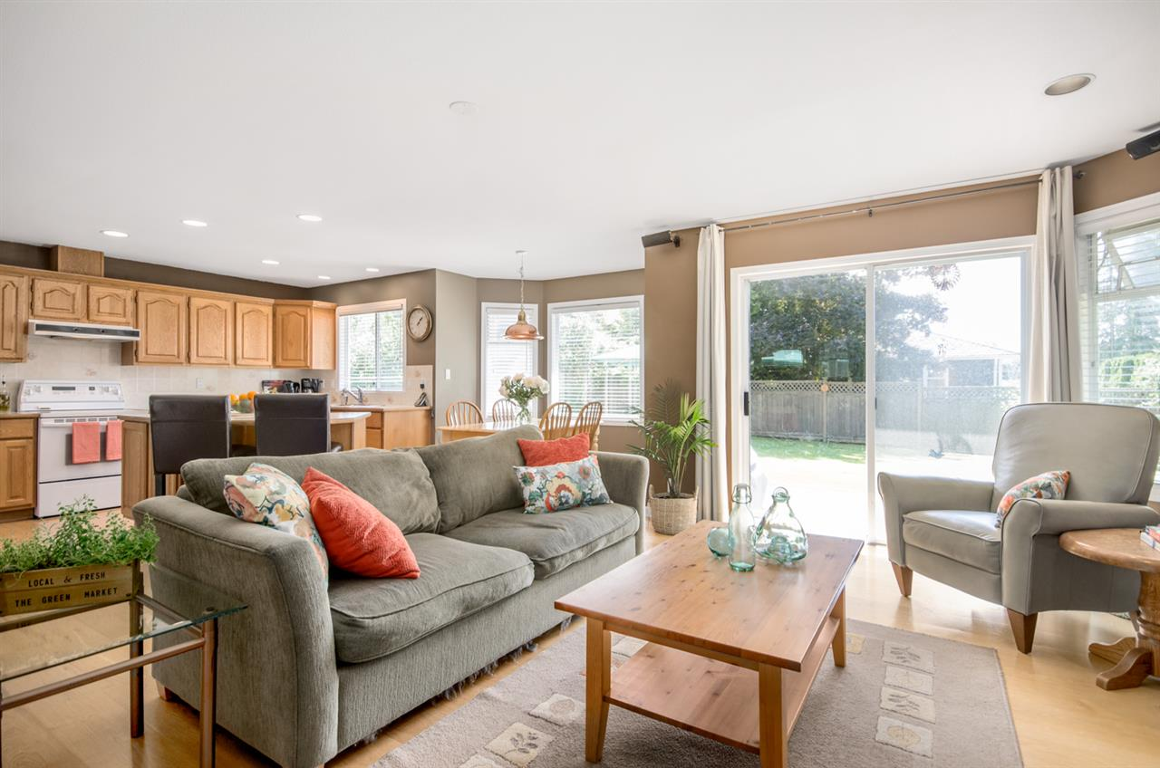 Detached at 12622 19A AVENUE, South Surrey White Rock, British Columbia. Image 8