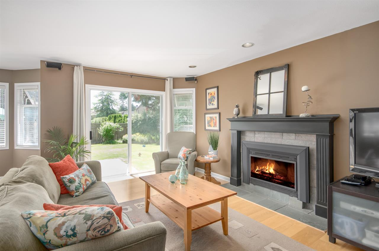 Detached at 12622 19A AVENUE, South Surrey White Rock, British Columbia. Image 9