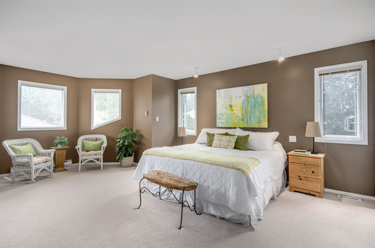 Detached at 12622 19A AVENUE, South Surrey White Rock, British Columbia. Image 12