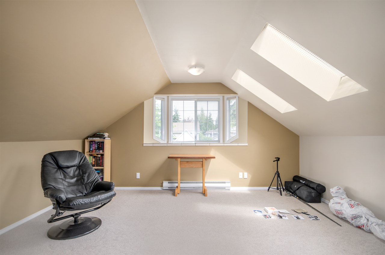 Detached at 12622 19A AVENUE, South Surrey White Rock, British Columbia. Image 15