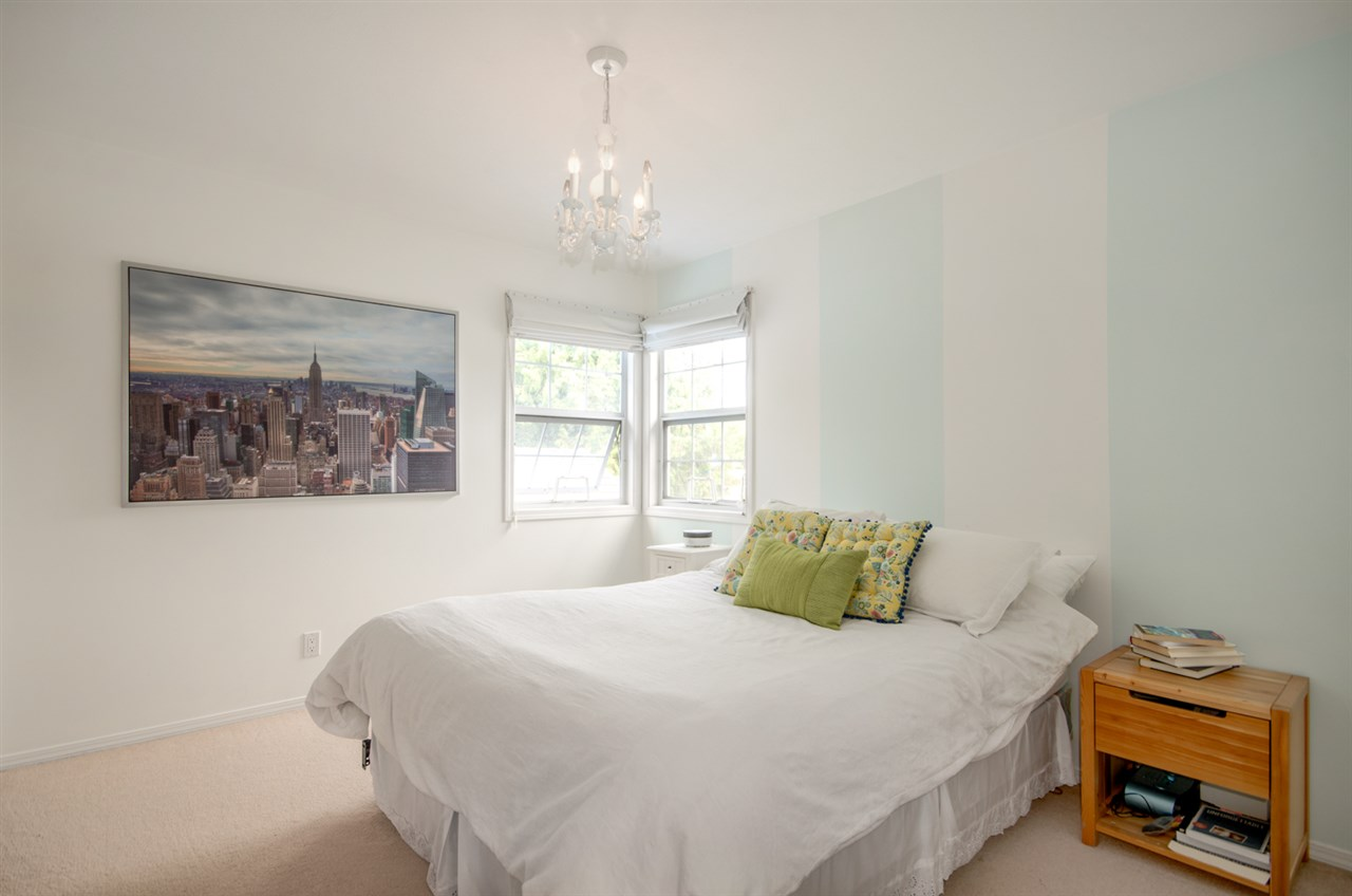 Detached at 12622 19A AVENUE, South Surrey White Rock, British Columbia. Image 16