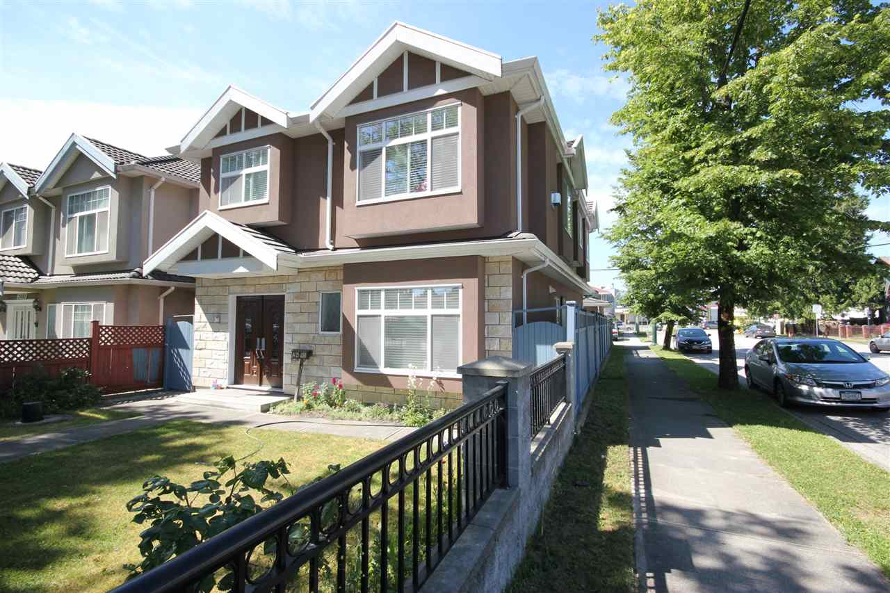 Detached at 2495 E 34TH AVENUE, Vancouver East, British Columbia. Image 1