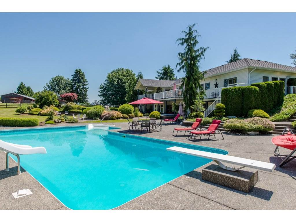 Detached at 29837 TOWNSHIPLINE ROAD, Abbotsford, British Columbia. Image 1