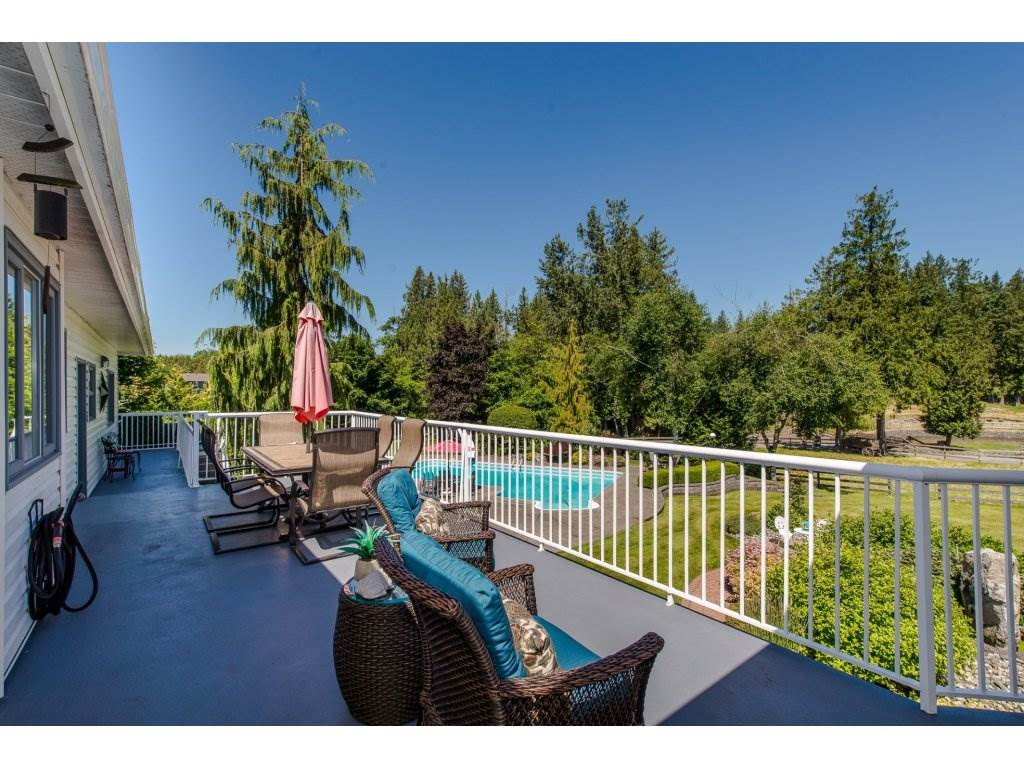 Detached at 29837 TOWNSHIPLINE ROAD, Abbotsford, British Columbia. Image 7