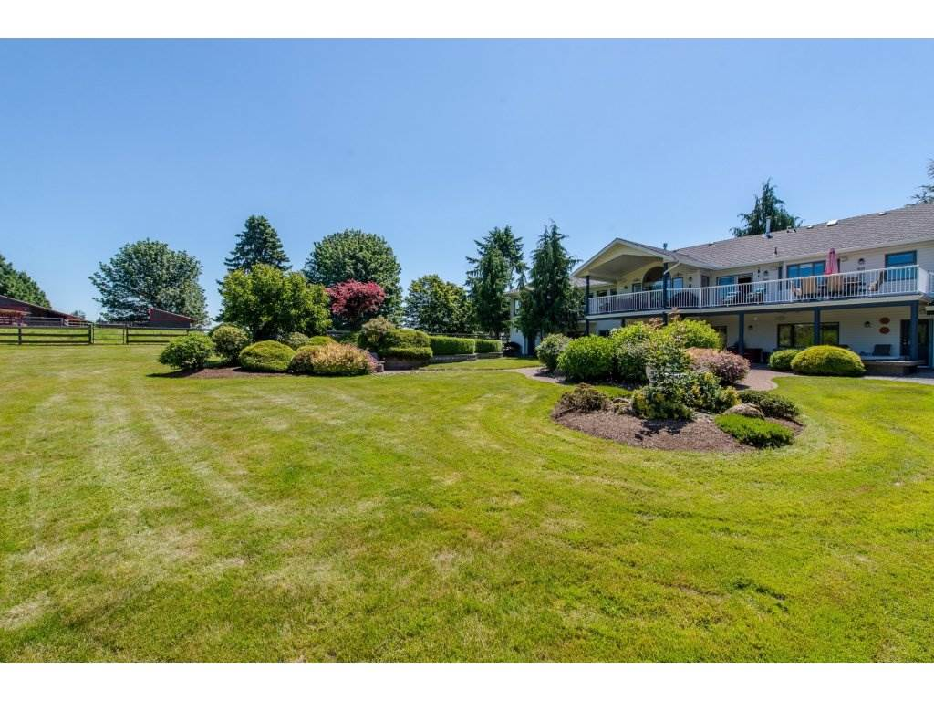 Detached at 29837 TOWNSHIPLINE ROAD, Abbotsford, British Columbia. Image 19