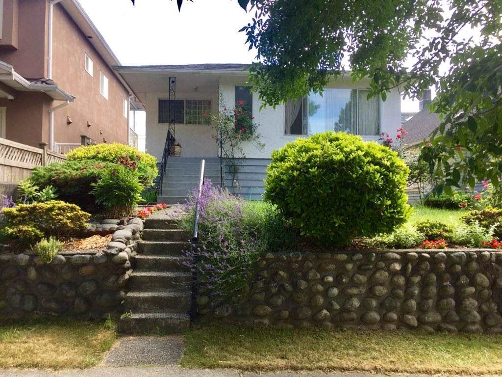 Detached at 2726 WARD STREET, Vancouver East, British Columbia. Image 1