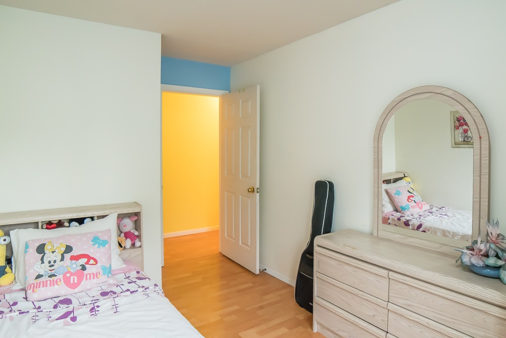 Condo Apartment at 304 5663 INMAN AVENUE, Unit 304, Burnaby South, British Columbia. Image 15