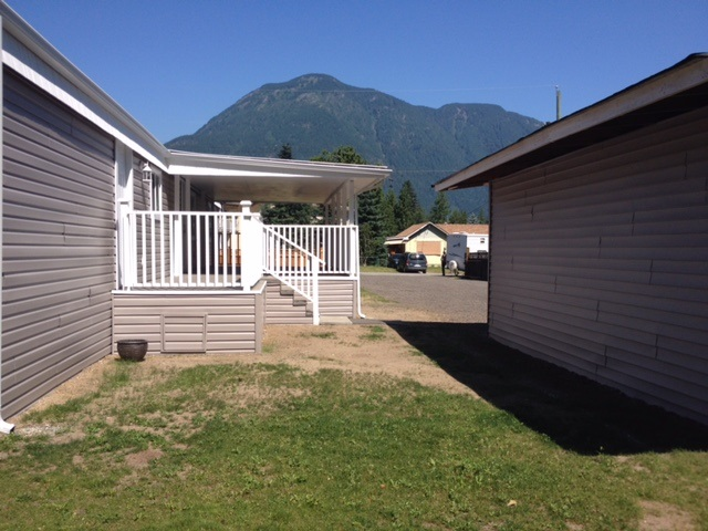 Detached at 1 63870 OLD YALE ROAD, Unit 1, Hope, British Columbia. Image 12