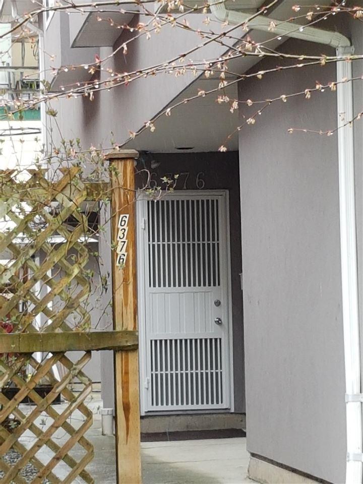 Half-duplex at 6376 BEATRICE STREET, Vancouver East, British Columbia. Image 7