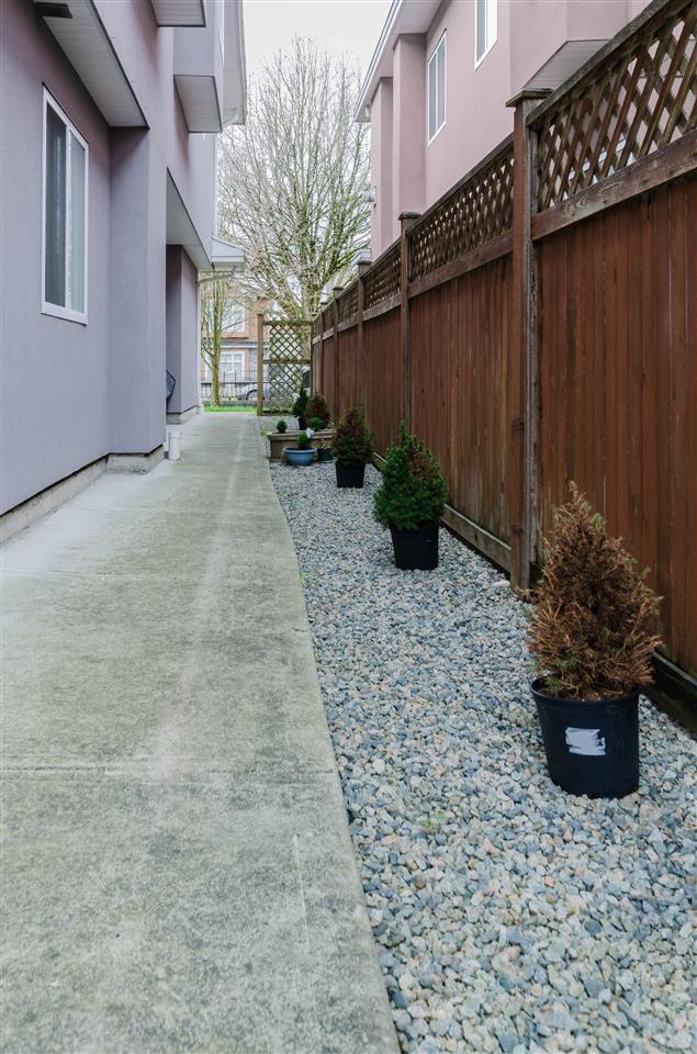 Half-duplex at 6376 BEATRICE STREET, Vancouver East, British Columbia. Image 8